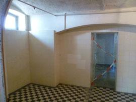 Gaskammer in Hadamar, Psychiatrisches Landeskrankenhaus Hadamar, Foto: Frank Winkelmann, Wikimedia Commons, Lizenz:  Creative Commons Attribution 3.0 Unported