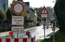 In Krumhermersdorf steht wieder eine Vollsperrscheibe. Foto: Andreas Bauer