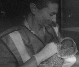 Baby, auf einem Flüchtlingsboot geboren (c) Times of Malta 2013