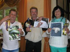 Norbert Oehlschläger, Andreas Clasing und Doris Effinghausen, Gewinner des diesjährigen Wettbewerbs mit den Bildern ihrer besonderen Ernte