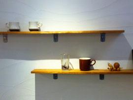 三鷹産業プラザ1階パソコンルーム入り口横の森田コーヒー店の飾り