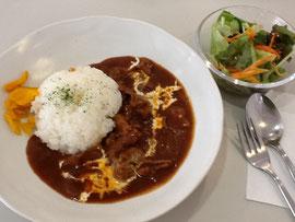 昼食はお隣の森田コーヒー店のランチ ハヤシライスドリンク付き680円です