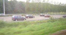オランダの高速道路(並行する列車から撮影)/ Autosnelweg: Dutch highway