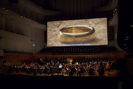 "Konzertausschnitt von ""Fellowship Of The Ring"""