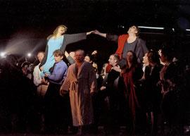 "... das ""Volk"" feiert Otello!"