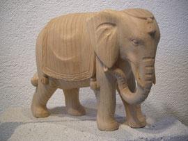 Elefantenschnitzerei