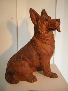 Hundeskulptur Holzschnitzerei Holzfigur