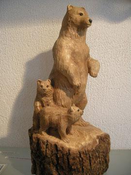 bär mit Jungen Holzskulptur
