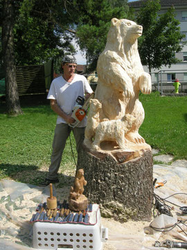 Holzskulptur Baer