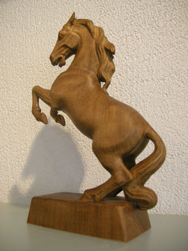 Pferd Holozbildhauerei