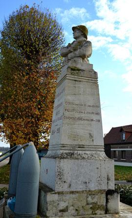 Le Monument aux Morts d'Estrées-sur-Noye