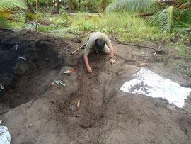 2011年:マーシャル諸島ミレー島遺骨収集