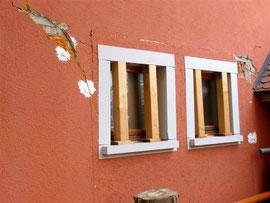 erhebliche Schäden an historischen Gebäuden