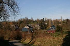 Arrivée aux Autels depuis le hameau du Haut-Chemin