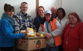 Das Team von der Lebensmittelhilfe im Dezember 2012 im Gemeindehaus St. Jospeh, Marburger  Str. 87