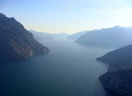 Der Lago d'Iseo im Dunst