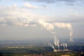 Bild: Braunkohlekraftwerk Neurath