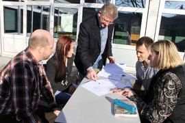 Schulelternbeirat und Schulleitung besprechen räumliche Maßnahmen