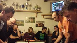 Am Final-Tisch: Roman + Gerhard vs. Markus P. + Robert D.
