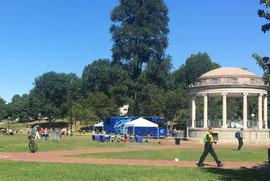 ボストンコモンという公園のイベント用ステージ周辺