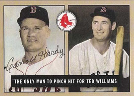 Nella foto Carroll Hardy e Ted Williams