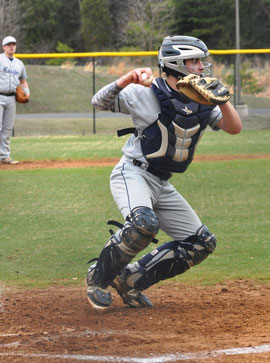 Luca Tesselli catcher della John Champe High School
