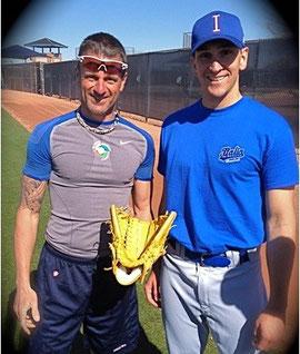 Nella foto Gianni Natale con Pat Venditte. Il pitcher Italo/Americano è l'unico lanciatore al mondo switch pitcher