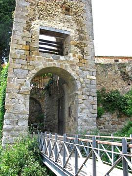 Turm mit dem Tor La Gallarda - © Traudi