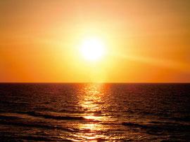 日の出の時間「黙祷」と「ふるさと」を大合唱します