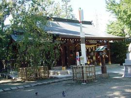 新田神社の拝殿