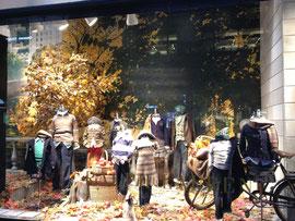 秋色のショーウィンドーby Ralph Lauren