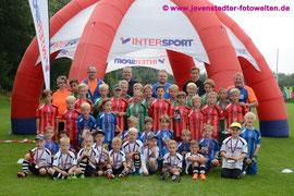 Spaß ohne Ende! Die Kinder und Betreuer des Intersport Fussballcamp 2014