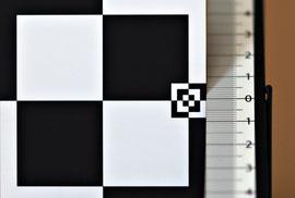 Небольшой фронт-фокус на f/1.4