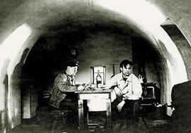Photo de deux gardiens dans leur phare