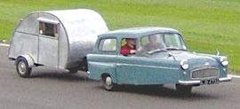 Reliant Robin (véhicule trois roues de fabrication anglaise)
