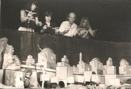 """Arlequin-Theater Arminio Rothstein im ORF, """"Toby und Tobias"""",  vlnr Christine Rothstein, Evi Zabransky, Ferdinand Resch, Susanne Steiger später Resch, 1982;  Foto: Theater Arlequin Christine Rothstein"""