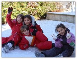 Avec les cousins dans la neige