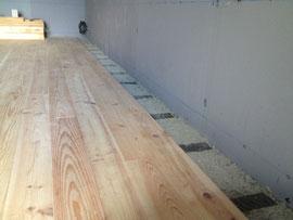 Plancher sur lambourdes flottantes+ bandes résilliantes+ Cellulose= Réduction de bruit