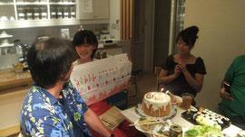 手作りシフォンのバースデイケーキで希花さんのお誕生日のお祝い