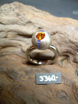 Bild:Ring,Weissgold750,18kt,Mandaringranat,Spessartin,Saphire,Handarbeit,Unikat