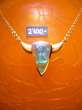 Bild:Halsschmuck,Ankerkette,Anhänger,Gelbgold750,18kt,Smaragd,El Toro,Sternzeichen Stier,Handarbeit,Unikat
