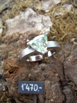 Bild:Ring,Weissgold750,18kt,Turmalin,Mint,Mintgrün,Handarbeit,Unikat