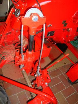 Mähwerksaushebung komplett - das Stahlseil RS 6341 wurde ebenfalls erneuert