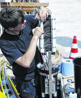 Das schnelle Internet soll nun kommen: Nach den Sommerferien werden die Bürger befragt, im Januar soll der Stadtrat die ersten Aufträge zum Netzausbau vergeben.
