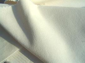 Wollweißer Baumwollsamt