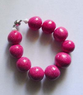 Schmuck Armband mit rot weißen Perlen