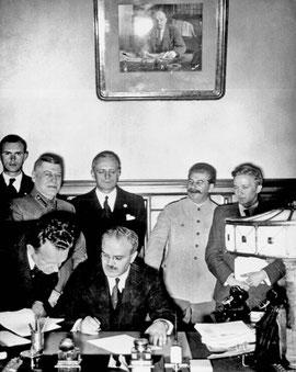 Abschluss des Ribbentrop-Molotov-Paktes am 23.08.1939