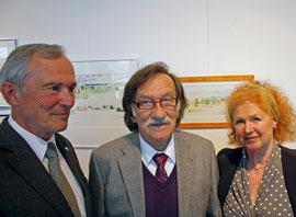 ALRV-Präsident Carl Meulenbergh, Hans Wittl und Dr. Doris Beaujean bei der Vernissage in der Geschäftsstelle des CHIO Aachen.