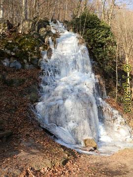 """Der """"Fallende Bach"""" - einziger Wasserfall im Odenwald"""