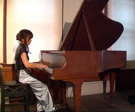 ピアノは爆音じゃないよーΣ(゚д゚   )